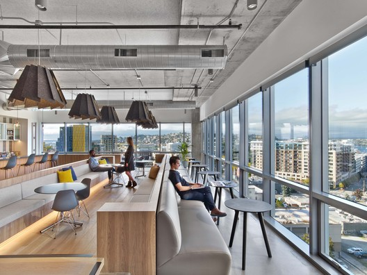 HBO Seattle Workspace / Rapt Studio