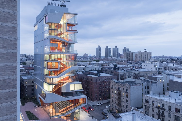 35 Exemplary Projects Win 2017 AIA New York Design Awards, Grand Prize Winner: Roy and Diana Vagelos Education Center / Diller Scofidio + Renfro. Image © Iwan Baan
