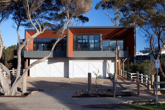 Mornington Beach Houses / Third Skin