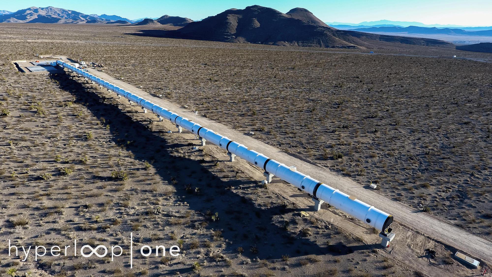 Pista de prueba de Hyperloop One a escala real cerca de su finalización