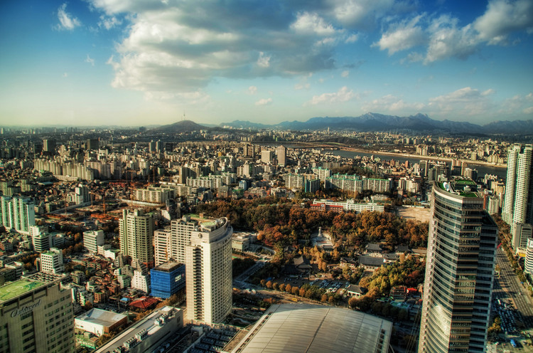 Existe um tamanho ideal para as cidades? Ou tudo depende de planejamento?, Cidade de Seul, Coreia do Sul. Image © Trey Ratcliff/Flickr-CC. Via The CityFix Brasil