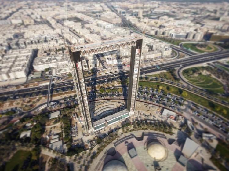 Se acerca el fin de la construcción del Marco de Dubai entre alegaciones de propiedad intelectual robada, Se estima que el Marco de Dubai abrirá durante la segunda mitad de este año. Imagen via usuario de Instagram bachir_photo_phactory