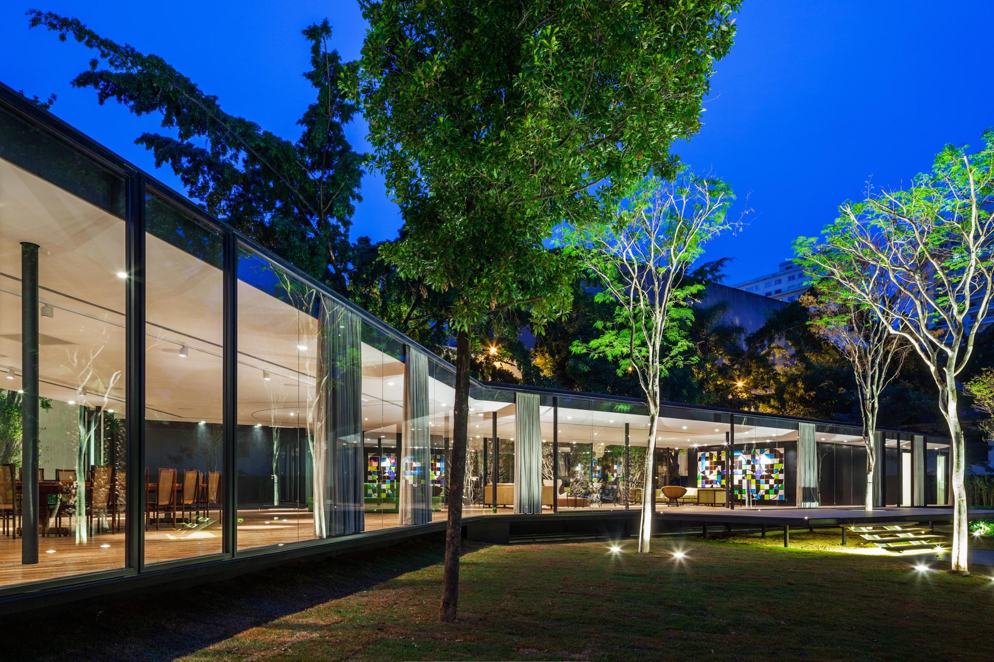 Gallery of c j house andrade morettin arquitetos for Cj garden designs