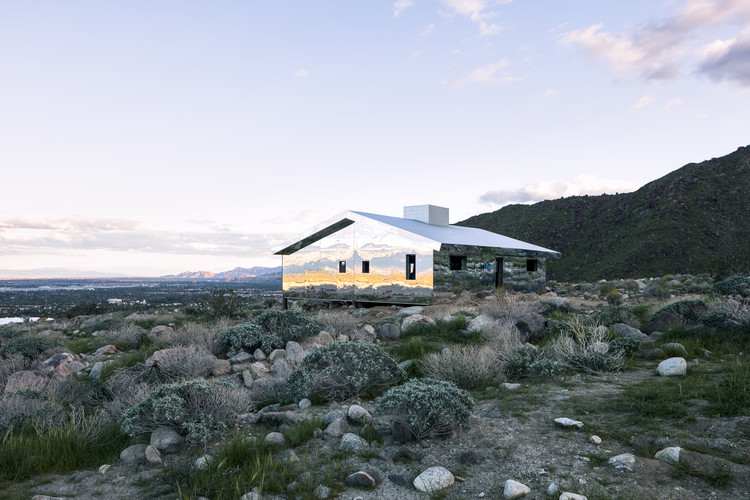 Reflective Ranch-Style House Captures the American West in New Installation, © Lance Gerber