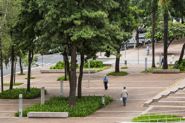 Requalificação de Praças em Catanduva  / Rosa Grena Kliass Arquiteta + Barbieri + Gorski Arquitetos Associados, © Ana Mello