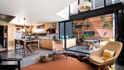 SODA Apartments  / Gresley Abas Architects