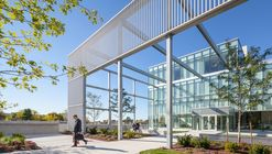 Humber College Student Welcome & Resource Centre / Moriyama & Teshima Architects