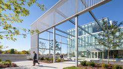 Centro de Recursos y Bienvenida para Estudiantes de Humber College / Moriyama & Teshima Architects