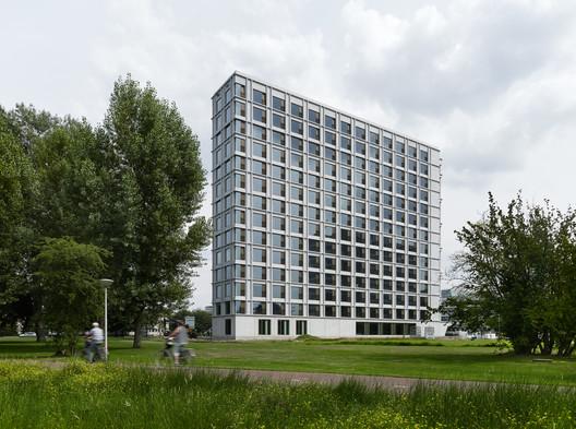 Residência Estudantil da Universidade Tecnológica de Eindhoven / Office Winhov + Office haratori + BDG Architecten