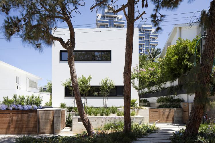 U House / Ronnie Alroy Architects, © Amit Geron