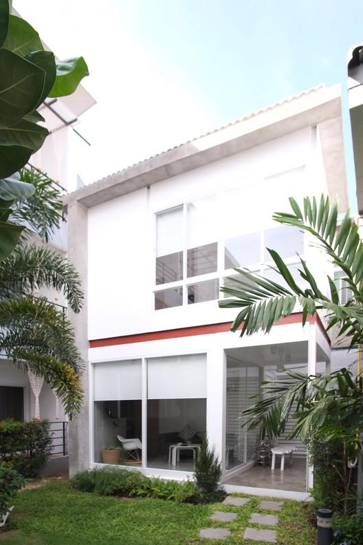 Residência em Huahin / Thaan Studio, Cortesia de  BY Architects