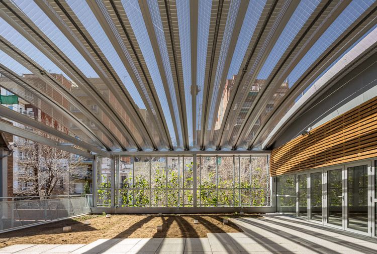 Joan Oliver – Pere Quart Civic Center Extension / Pich-Aguilera Arquitectes, © Simon Garcia