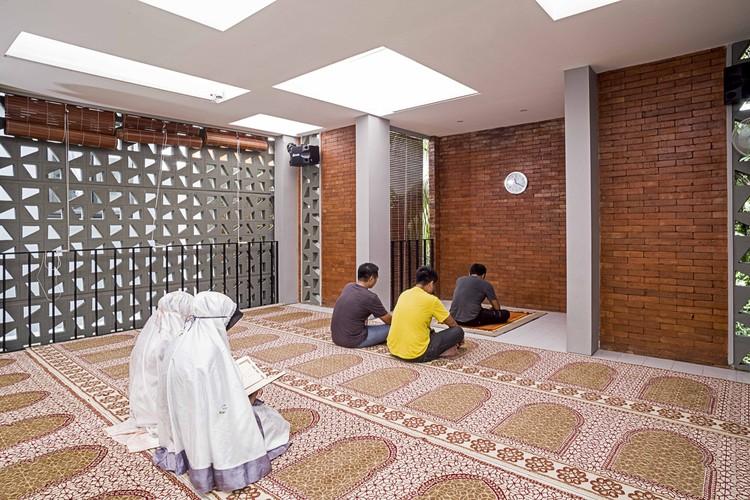 Mushola Nurul Islam / Parisauli Arsitek Studio, © Awangga Klereng Creative
