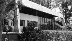 Clássicos da Arquitetura: Casa e escritório do arquiteto / Hans Broos