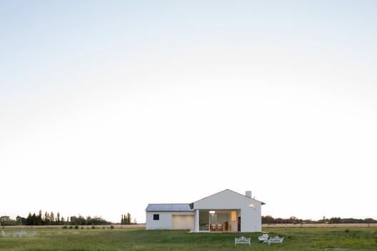 Casa en Benquerencia / Soledad Volpe Nores + Panoramaestudio