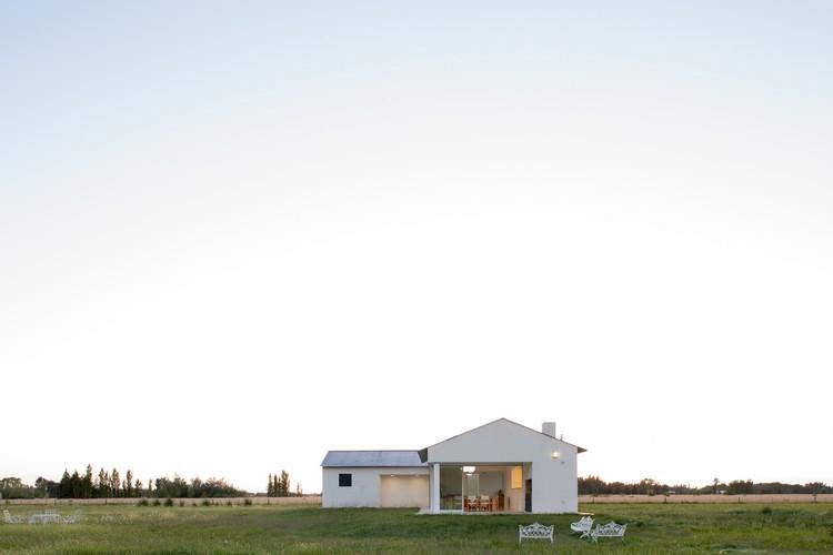 Casa en Benquerencia / Soledad Volpe Nores + Panoramaestudio, © Manuel Ciarlott