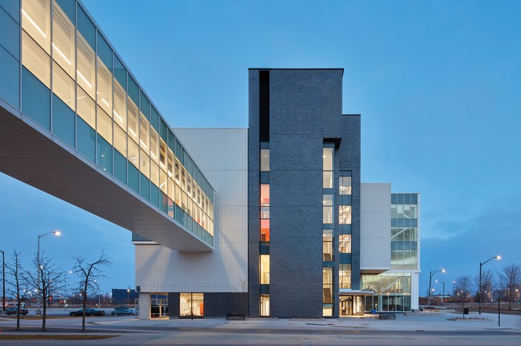 Sheridan College Hazel McCallion Campus - Phase II / Moriyama & Teshima Architects + Montgomery Sisam Architects, © Shai Gil