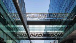 Salón Conmemorativo del Centenario de la Universidad de Mujeres de Dongduk / HYUNDAI Architects & Engineers