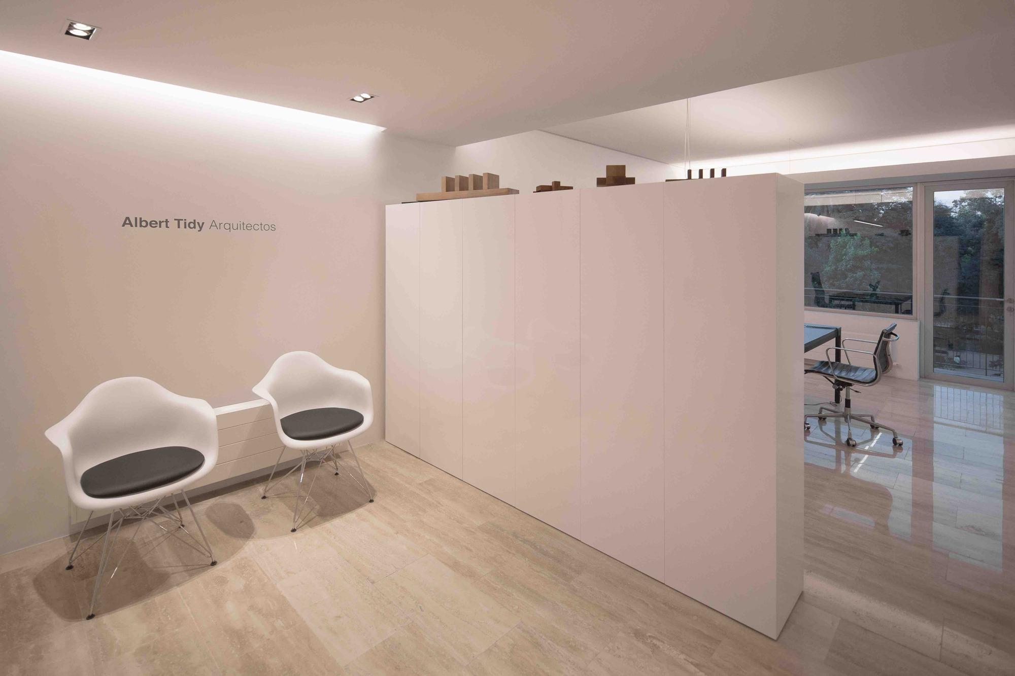 Galer a de oficinas albert tidy arquitectos albert tidy - Arquitectos madrid 2 0 ...