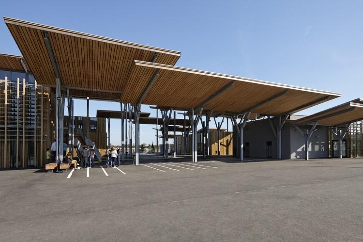 College Aime Cesaire / Patrick Arotcharen architecte, © Vincent Monthiers