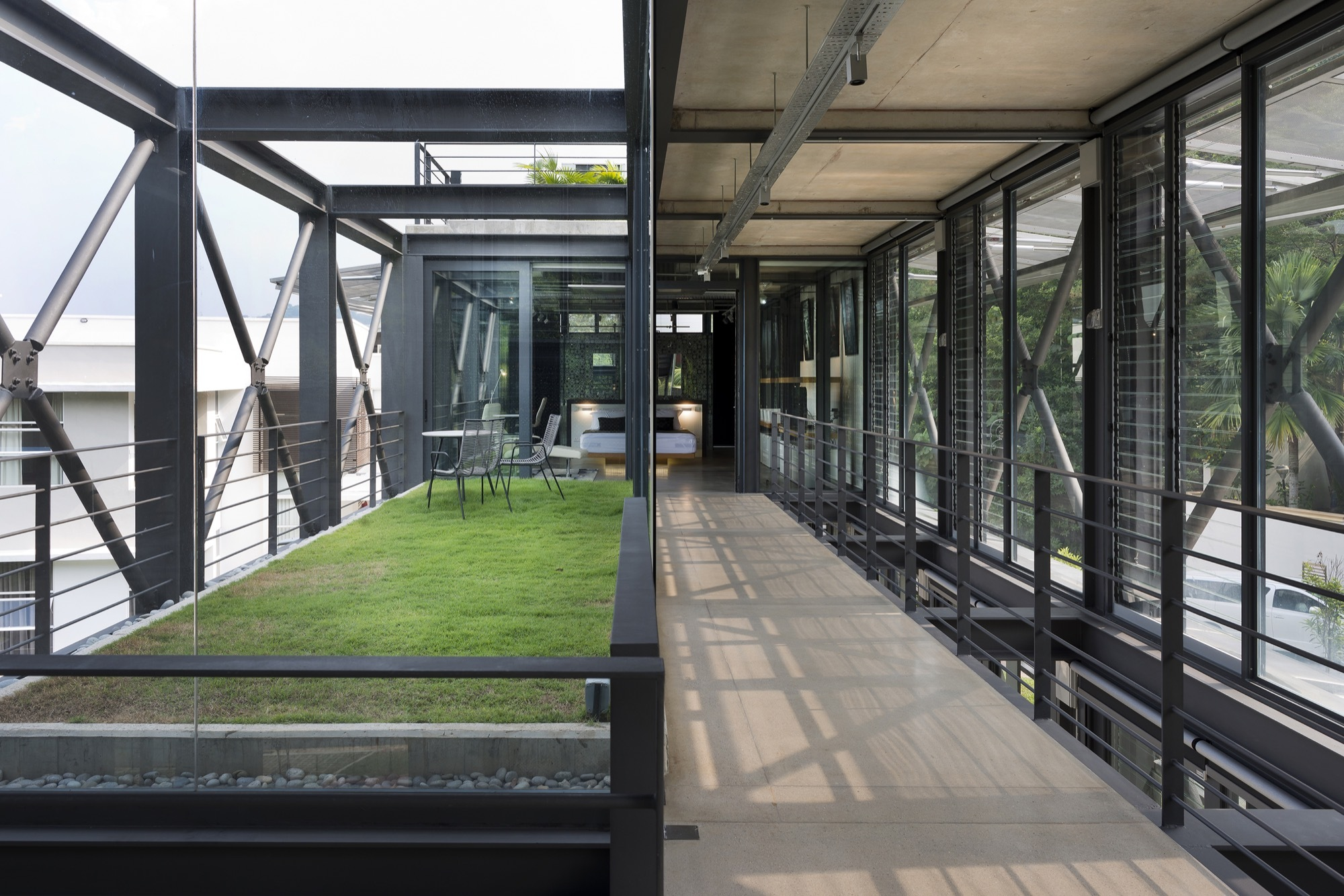 Gallery of cantilever house design unit sdn bhd 8 - Casa de estructura metalica ...