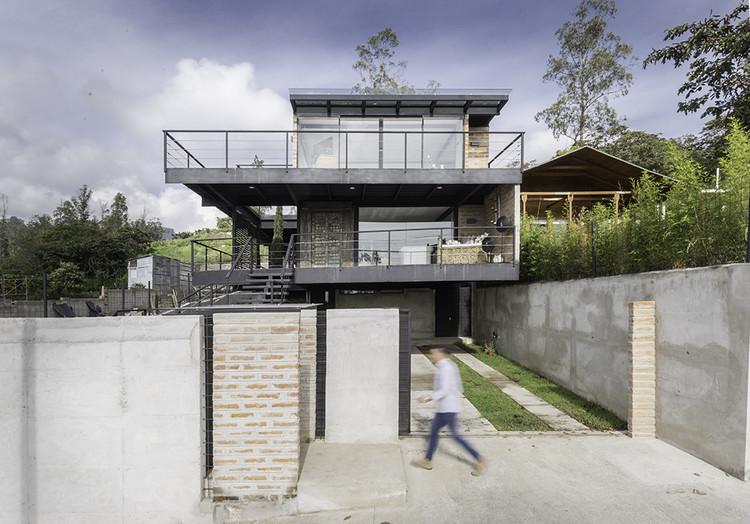 Horizontal House  / Juan Tohme, © JAG Studio