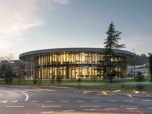 International Motorcycling Federation / LOCALARCHITECTURE