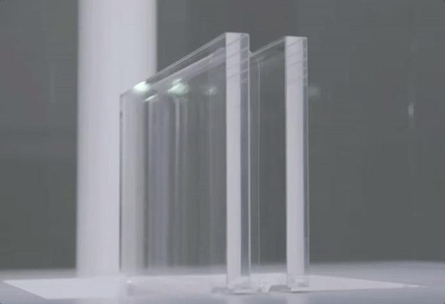 Veja como são produzidos os vidros flexíveis e super finos
