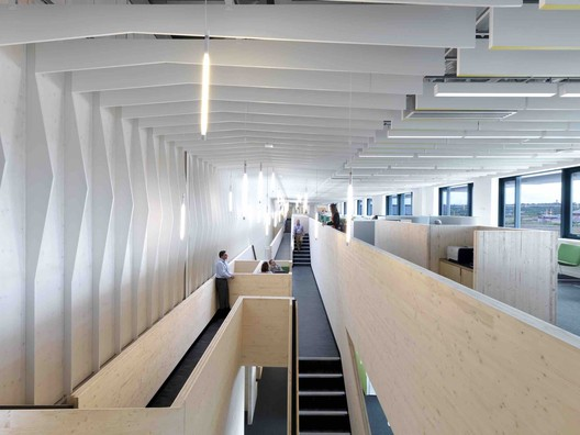 The Bridge / Threefold Architects