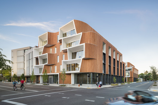 One North  / Holst Architecture