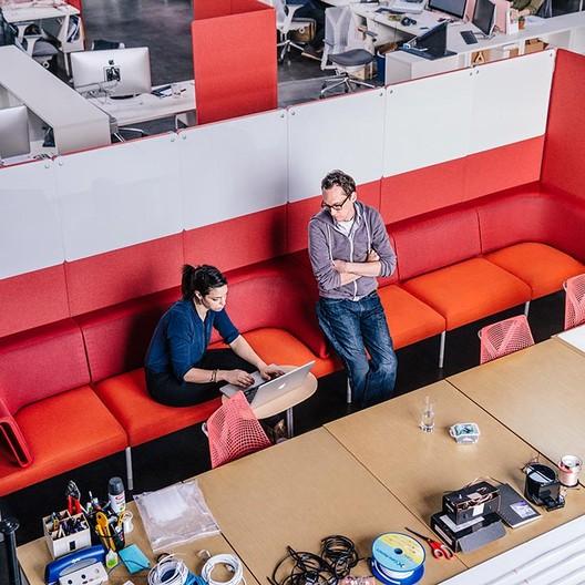 Living Office, un nuevo enfoque para las estaciones de trabajo