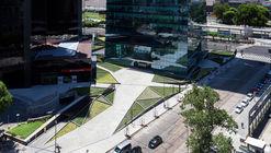 Plaza Catalina  / Adamo Faiden