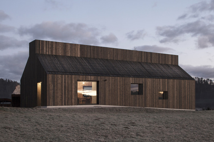 Casa Chimenea / Dekleva Gregorič architects, © Flavio Coddou