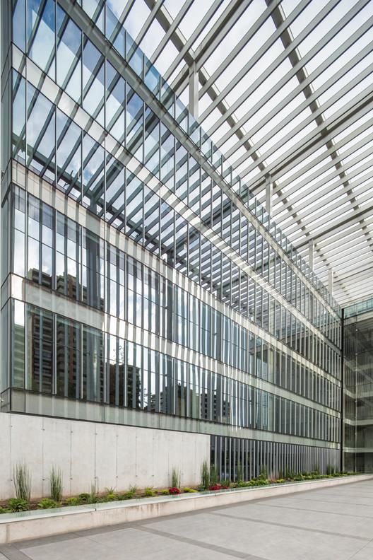 MGV Building / +arquitectos + Gubbins Arquitectos, © Aryeh Kornfeld