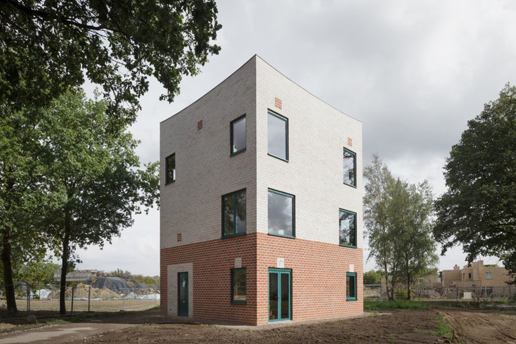 Atlas House / MONADNOCK, © Stijn Bollaert