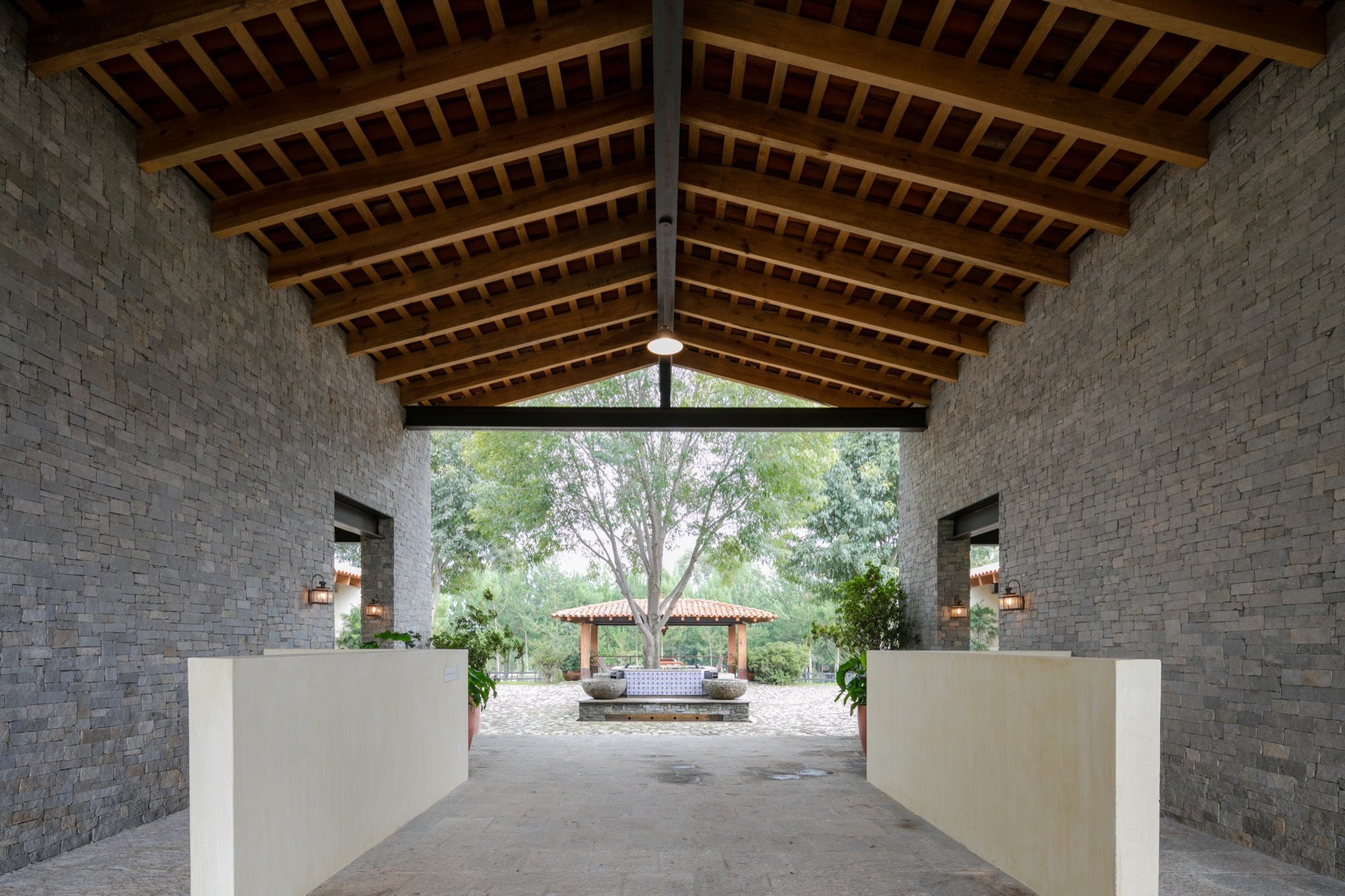 Club Hipico Pinterest: La Stella Ranch / AE Arquitectos