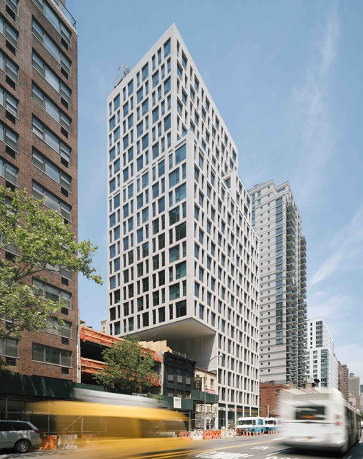 160 East 22nd Street / S9 Architecture, © Miguel de Guzman