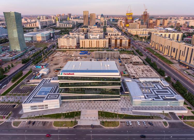 Sede de Forte Bank  / Saraiva + Associados, © Alexander Mussiyan