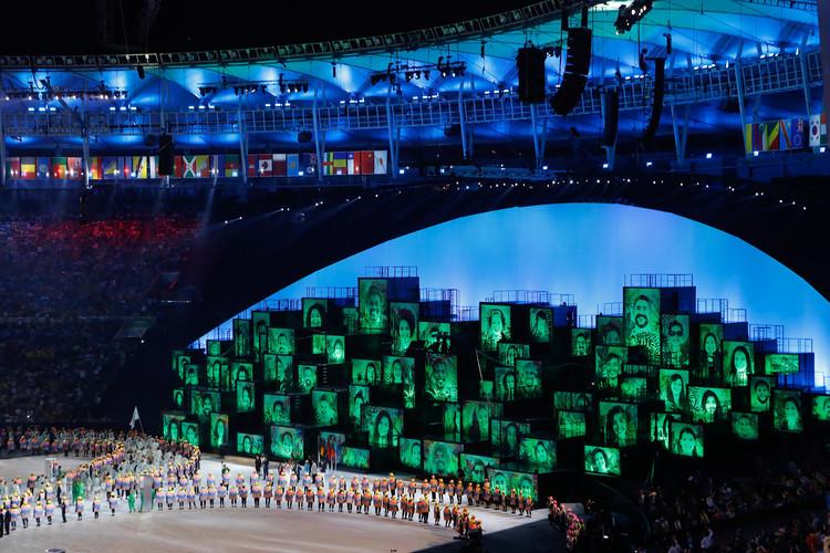 Encontro APCA Arquitetura 2016 no MCB, Categoria fronteiras da arquitetura: Cerimônia de Abertura dos Jogos Olímpicos do Rio de Janeiro / Fernando Meirelles, Daniela Thomas e Andrucha Waddington  Foto: Fernando Frazão / Agência Brasil