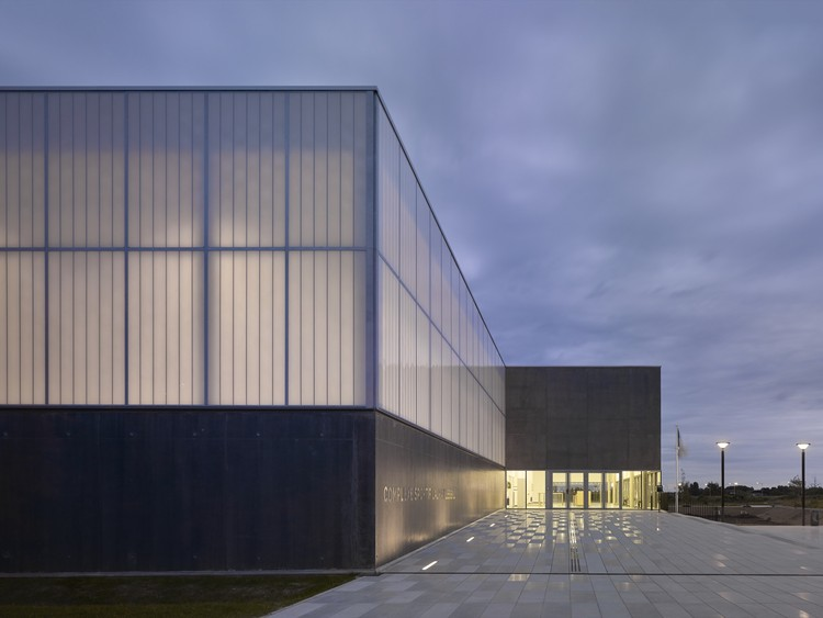 Complexo Esportivo em Bussy Saint-Georges / Martin Duplantier Architectes, © Yohan Zerdoun