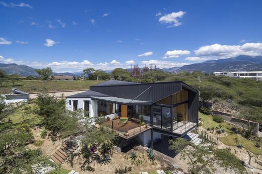 Las Peñas House / C3V ARQUITECTURA