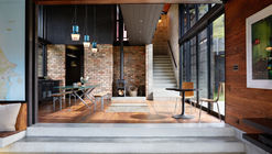 Casa interior / Gerrad Hall Architects