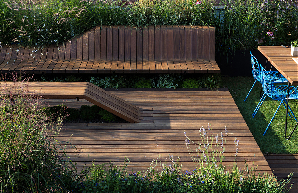 Gallery of wooden living roof built with japanese joinery for Japanese decking garden