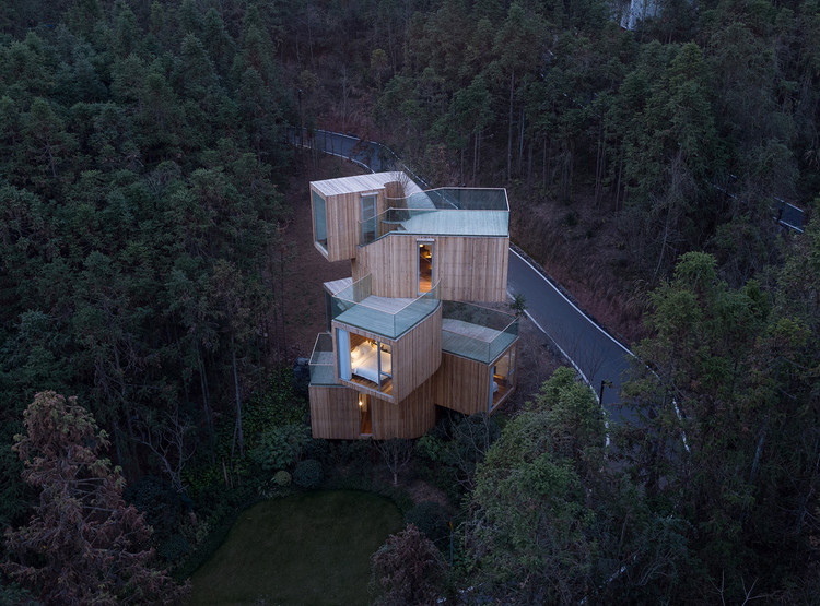 The Qiyun Mountain Tree House / Bengo Studio, © Chen Hao