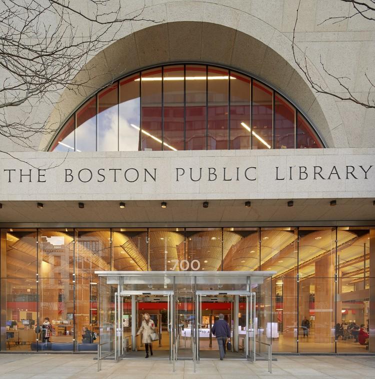 Boston Public Library, Central Library Renovation / William Rawn  Associates. Image © Bruce T