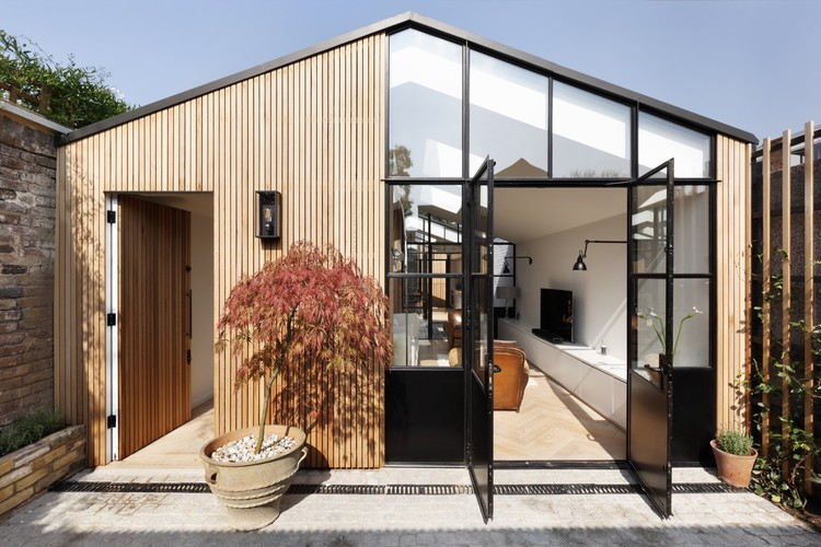 The Courtyard House / De Rosee Sa, ©  Alexander James Photography