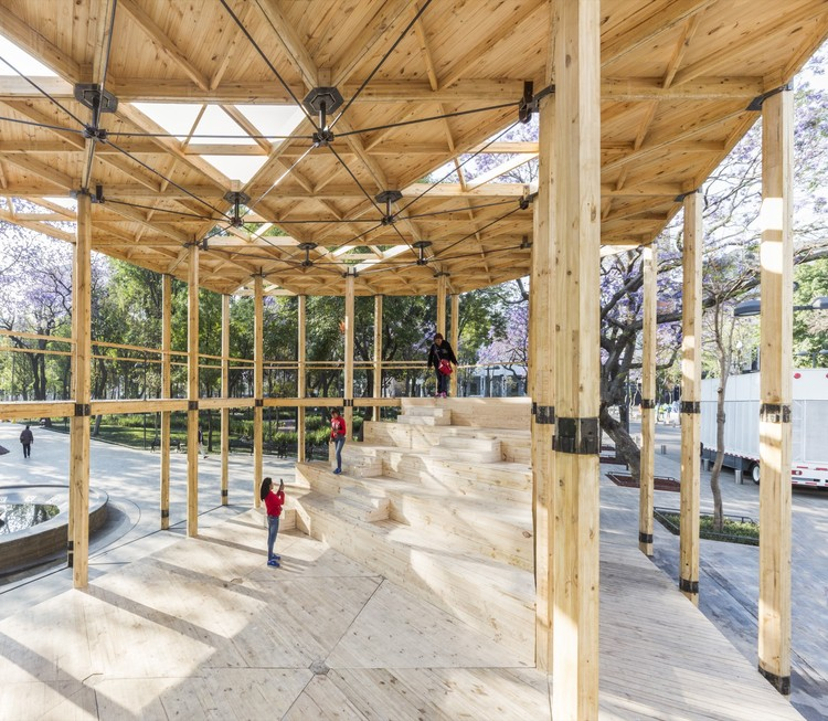 Pavilhão Casa da Suíça  / Dellekamp Arquitectos