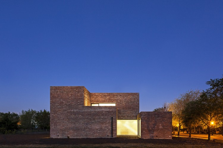 House with Bricks / Martín Aloras, © Walter Salcedo