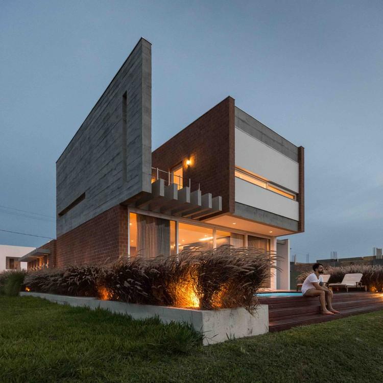 C52 House / Urban Ode Arquitetura e Urbanismo, © Marcelo Donadussi