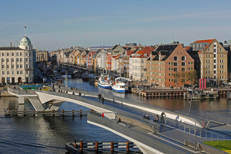 "Copenhagen's Latest Piece of Cycle Infrastructure Is a ""Stupid, Stupid Bridge"", © <a href='https://www.flickr.com/photos/newsoresund/30488229724/'>Flickr user newsoresund</a> licensed under <a href='https://creativecommons.org/licenses/by/2.0/'>CC BY 2.0</a>"